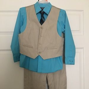 Kenneth Cole Reaction Boys Linen Suit (vest/pants)